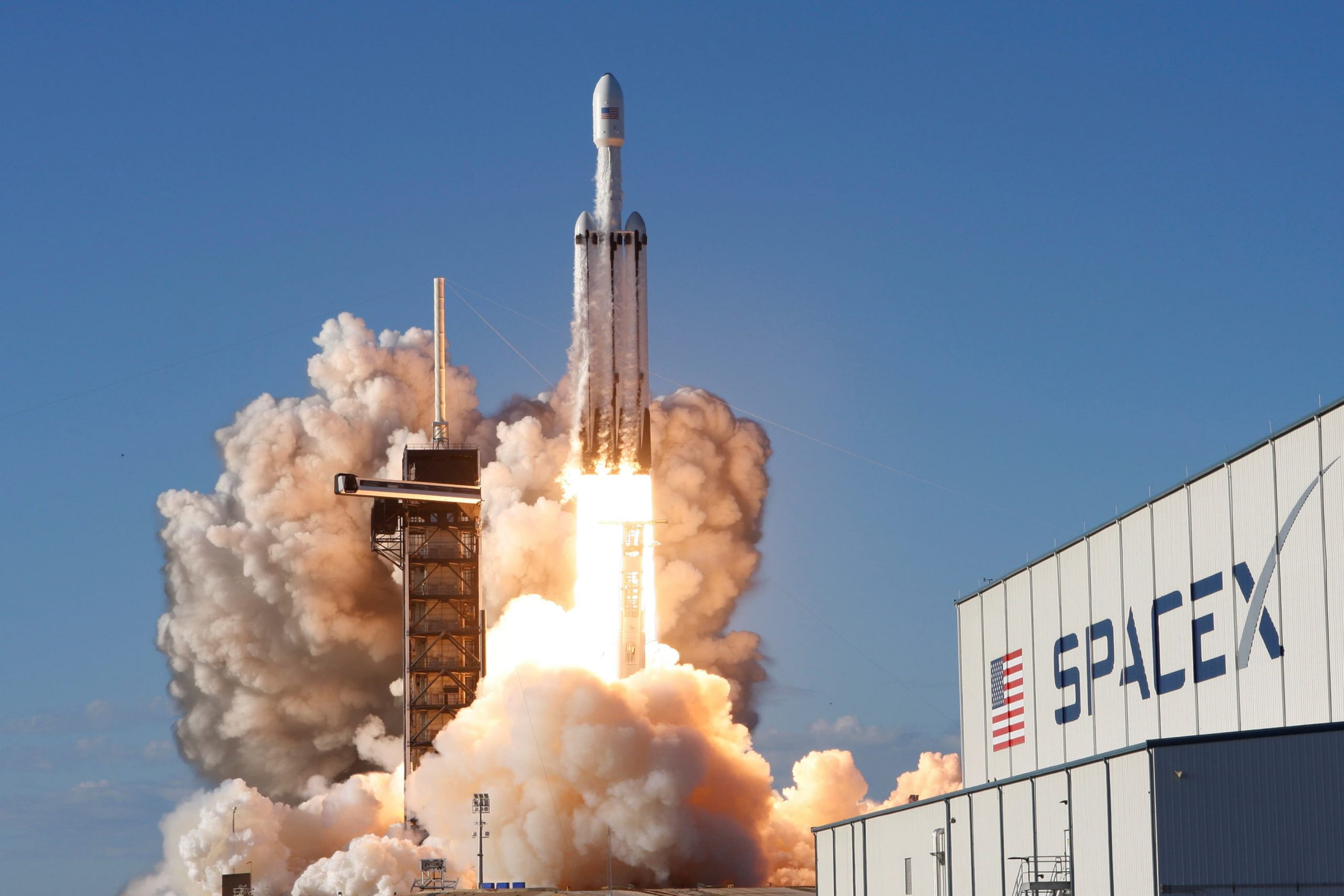 SpaceX launches four civilians into orbit on historic Inspiration4 flight