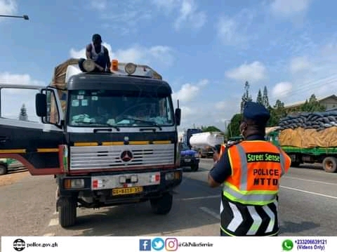 VEHICLES WITH UNAPPROVED LAMPS CLAMPDOWN